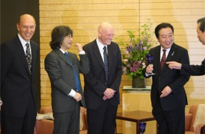 Fig. 2. Left to right: Robert W. Conn, President and CEO, The Kavli Foundation, Hitoshi Murayama, Fred Kavli, and Japanese PM Yoshihiko Noda. (2012)