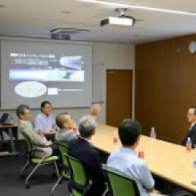 Former and current members of Japan's National Diet visit Kavli IPMU