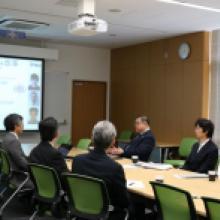 MEXT Vice Minister Kazuo Todani visits Kavli IPMU