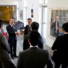 MEXT Deputy Minister Yoshio Yamawaki visits Kavli IPMU